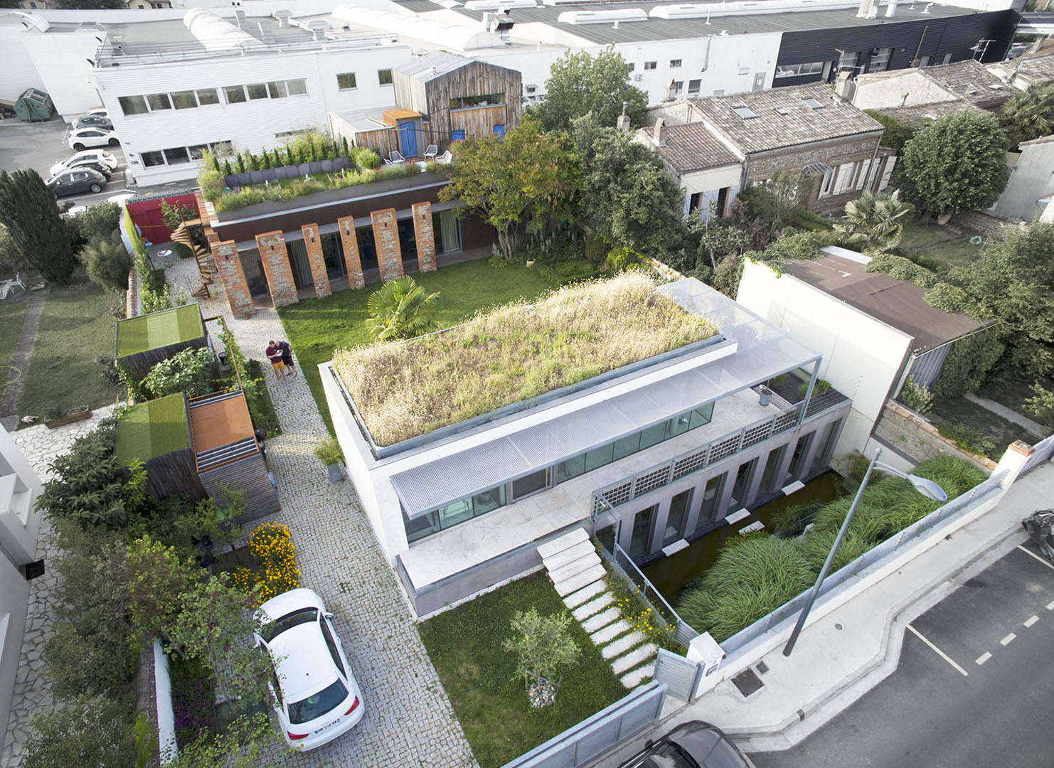 01-Seuil-architecture-Agence-Vue-aérienne-Crédit-Ph.-Digitalblend