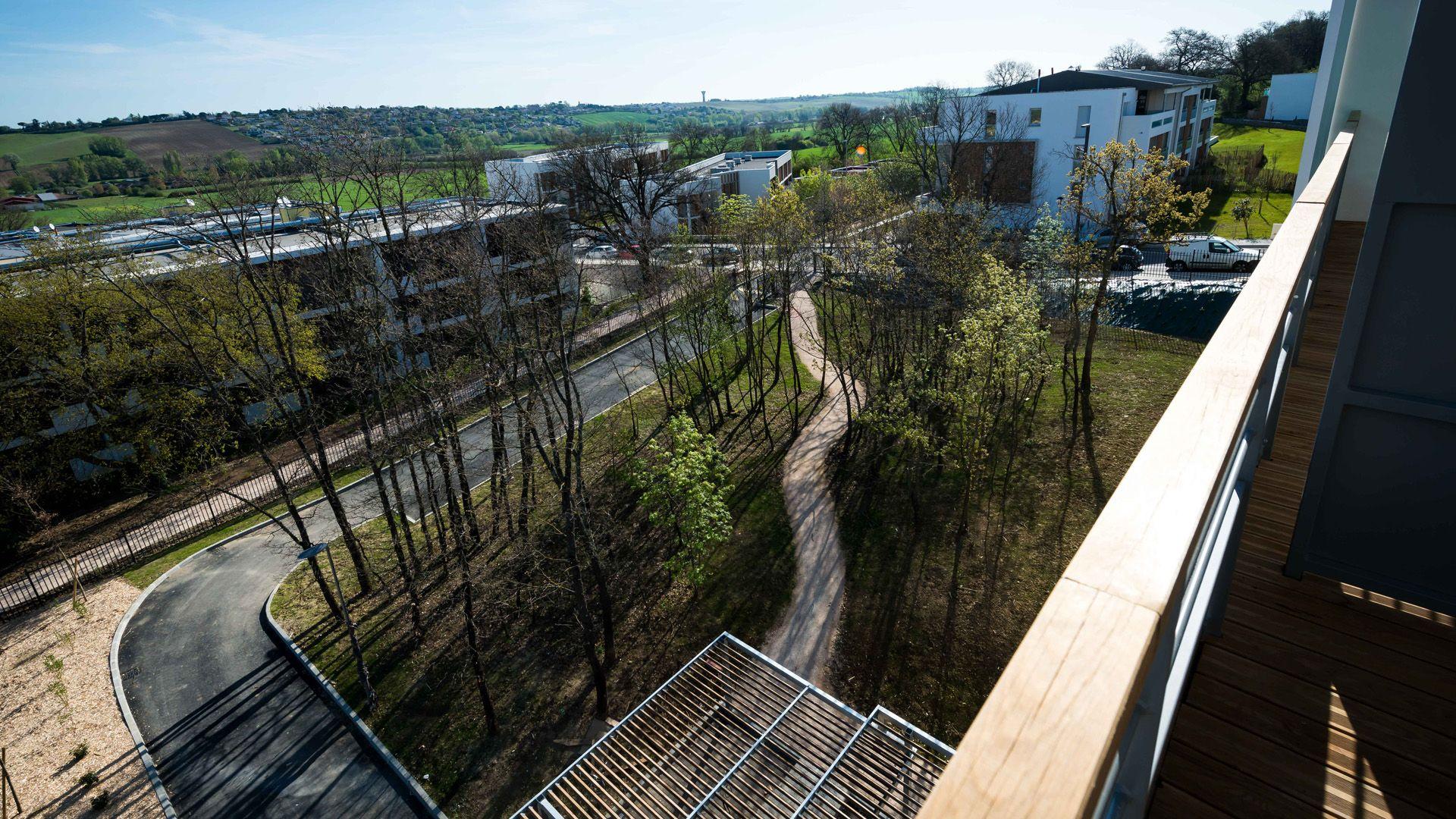Seuil-architecture-residence-senior-vue-balcon-slid