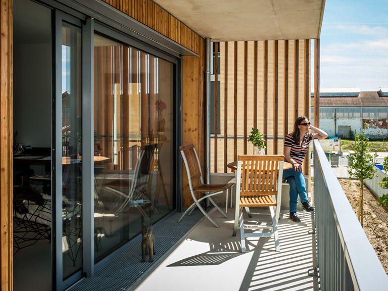Abricoop - une terrasse au soleil