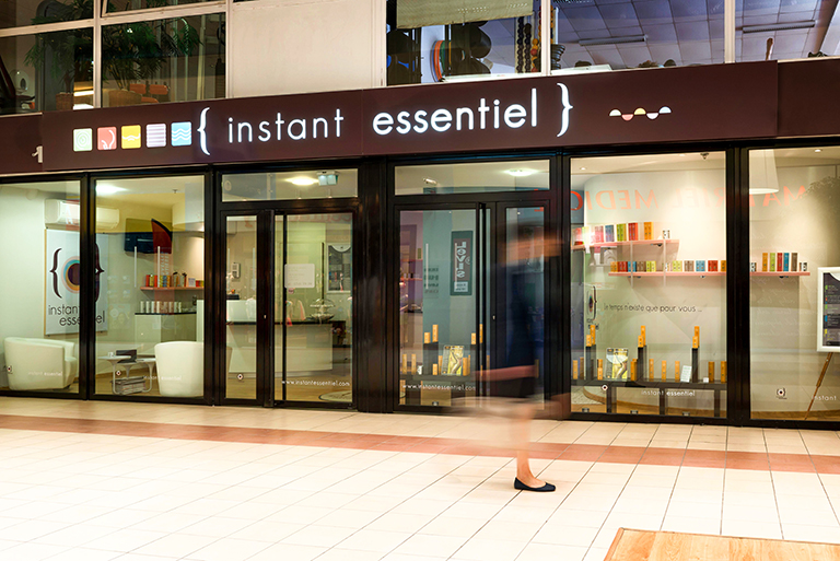 du design d'espace en plein coeur d'une galerie commerciale.