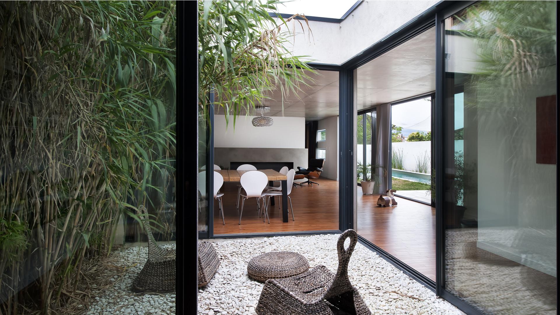 Maison Moderne Avec Patio Interieur maison patio à toulouse - seuil architecture