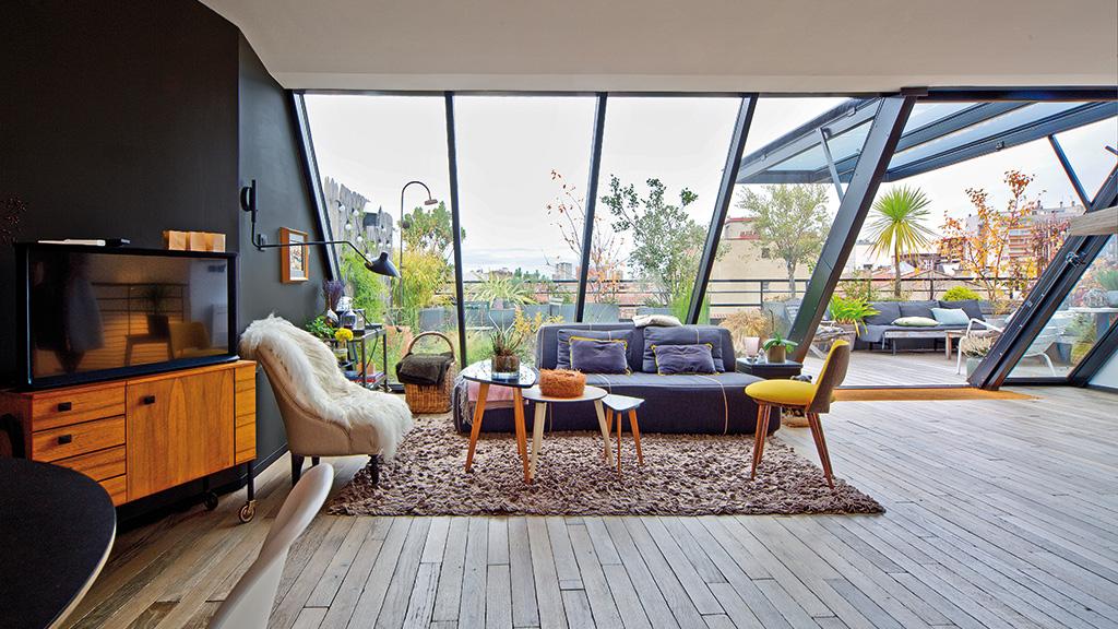 Seuil Architecture Reconstruire sur la ville Rénovation appartement sur les toits Pièce à vivre